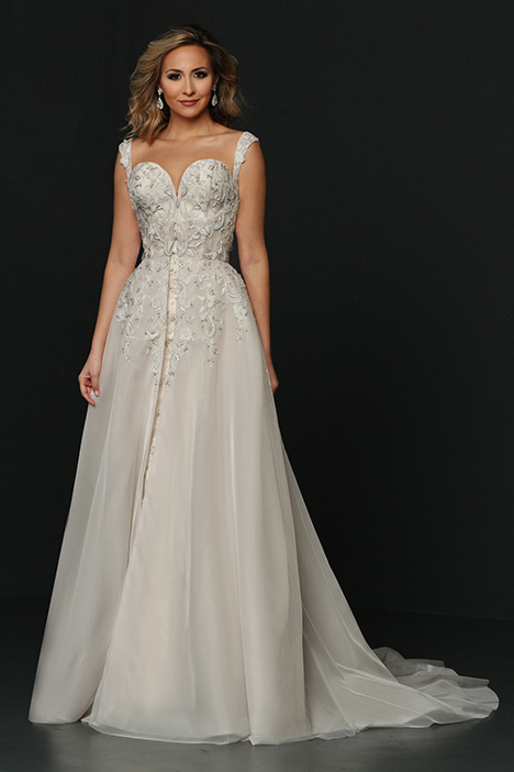90374 gown from the 2019 Simone Carvalli collection, as seen on Bride.Canada