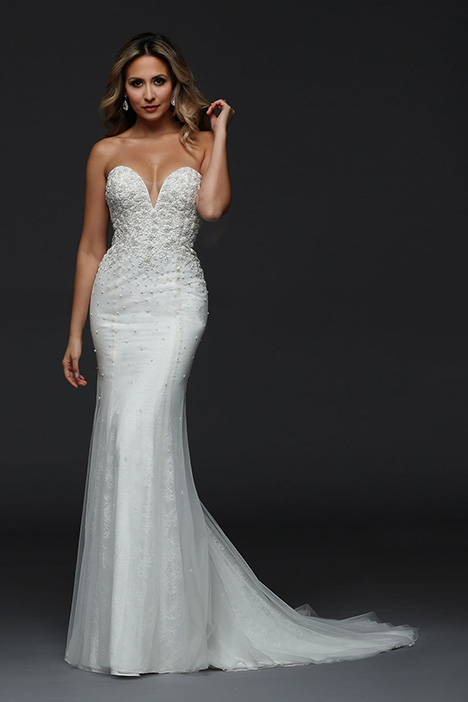 90391 gown from the 2019 Simone Carvalli collection, as seen on Bride.Canada