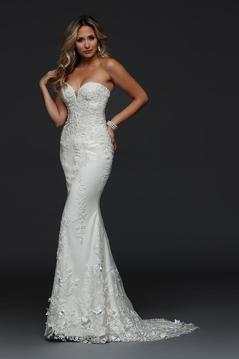 90392 gown from the 2019 Simone Carvalli collection, as seen on Bride.Canada
