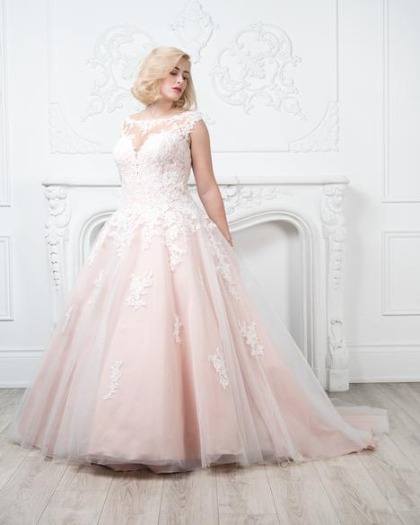 gown from the 2019 Romantic Bridals: Curvy Bride collection, as seen on Bride.Canada