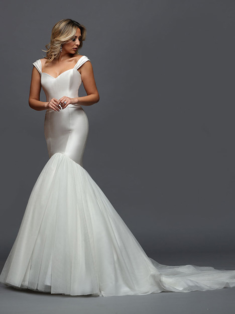 407 gown from the 2019 Victor Harper collection, as seen on Bride.Canada