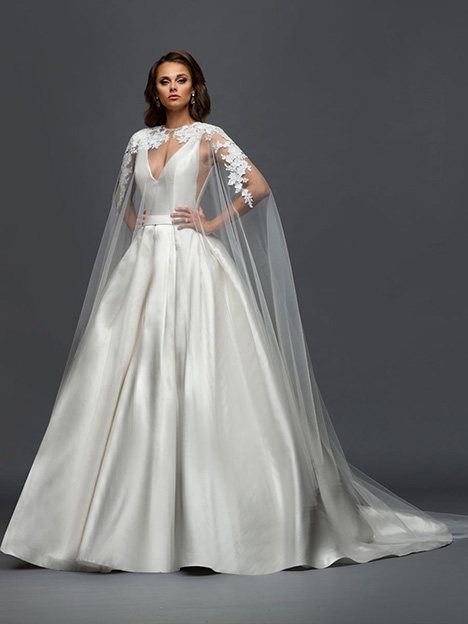 418 gown from the 2019 Victor Harper collection, as seen on Bride.Canada