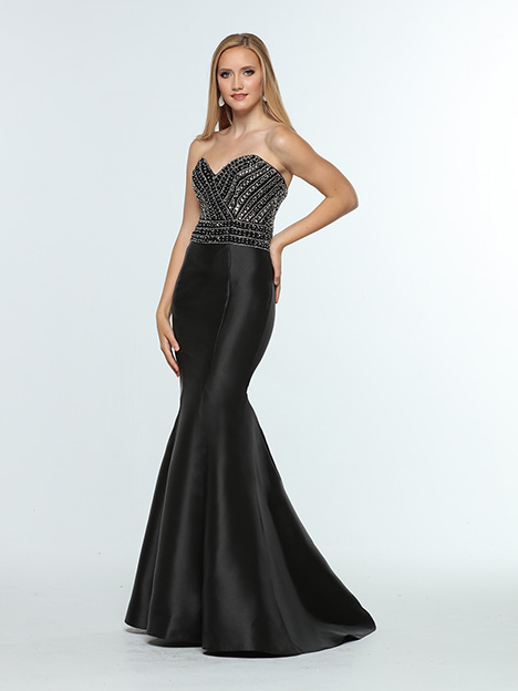 31370 gown from the 2019 Zoey Grey collection, as seen on Bride.Canada