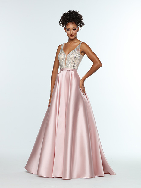 31393 gown from the 2019 Zoey Grey collection, as seen on Bride.Canada