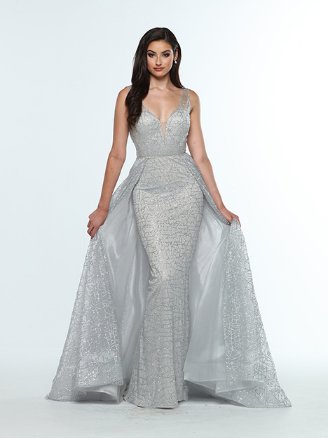 31394 gown from the 2019 Zoey Grey collection, as seen on Bride.Canada
