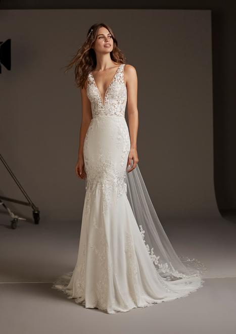 Alcyone gown from the 2020 Pronovias collection, as seen on Bride.Canada