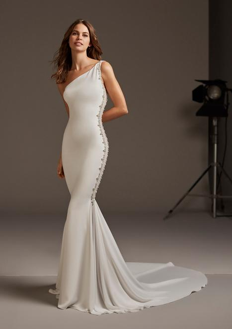 Amaltea gown from the 2020 Pronovias collection, as seen on Bride.Canada