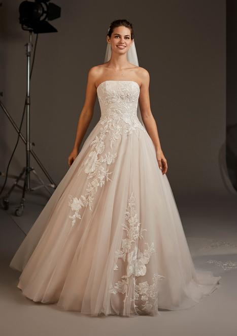 Lynx gown from the 2020 Pronovias collection, as seen on Bride.Canada