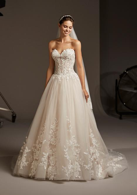 Maia gown from the 2020 Pronovias collection, as seen on Bride.Canada