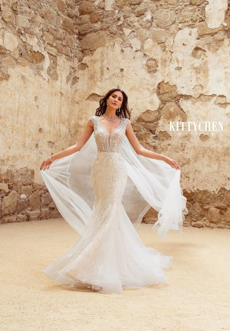 Andrea Molly gown from the 2019 KittyChen Couture collection, as seen on Bride.Canada