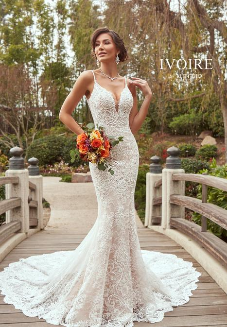 Daniela gown from the 2019 Ivoire by Kitty Chen collection, as seen on Bride.Canada