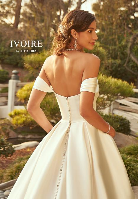 Nara gown from the 2019 Ivoire by Kitty Chen collection, as seen on Bride.Canada