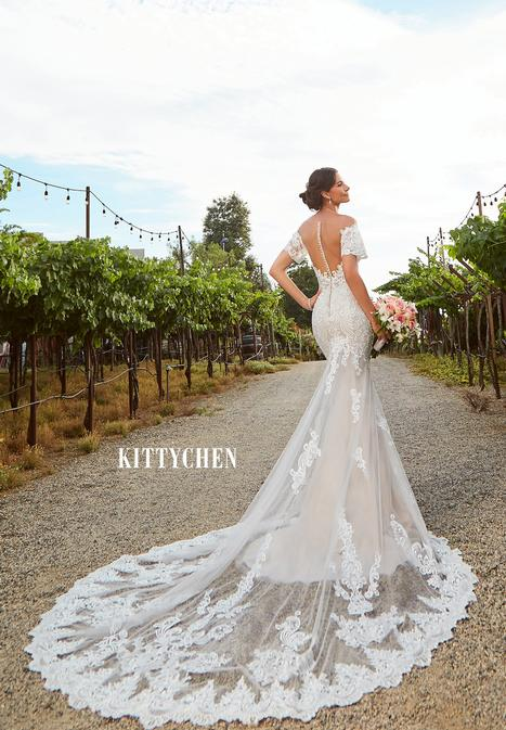 Amaya gown from the 2019 KittyChen collection, as seen on Bride.Canada
