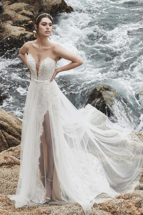 Kayleigh gown from the 2019 L'Amour by Calla Blanche collection, as seen on Bride.Canada
