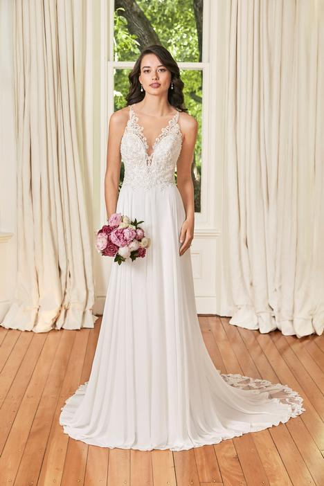 Christabel gown from the 2019 Sophia Tolli collection, as seen on Bride.Canada