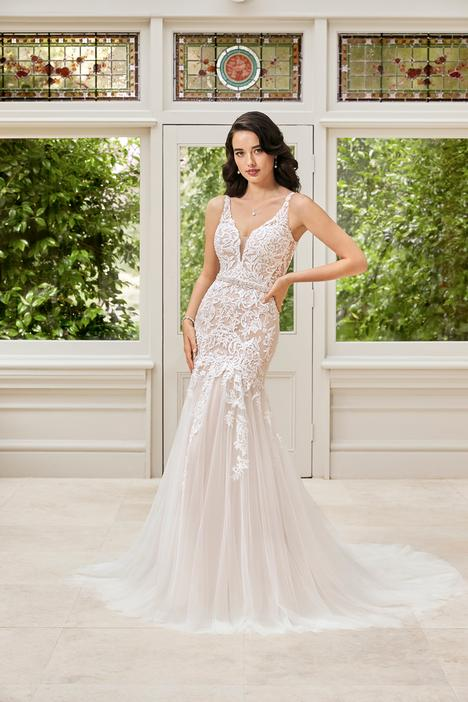 Phoebe gown from the 2019 Sophia Tolli collection, as seen on Bride.Canada