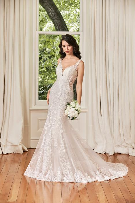 Tara gown from the 2019 Sophia Tolli collection, as seen on Bride.Canada