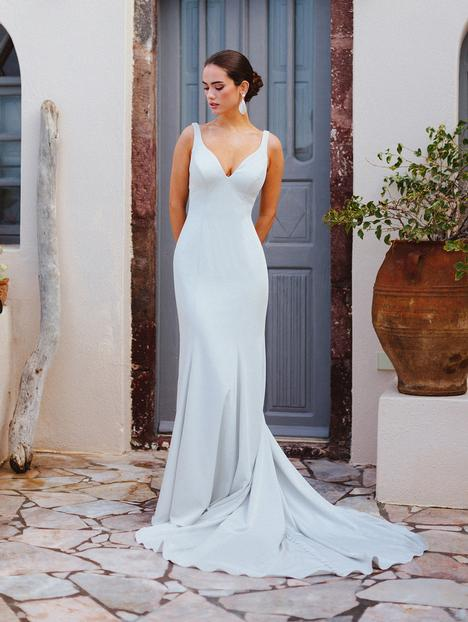 Penelope gown from the 2019 Wilderly Bride collection, as seen on Bride.Canada