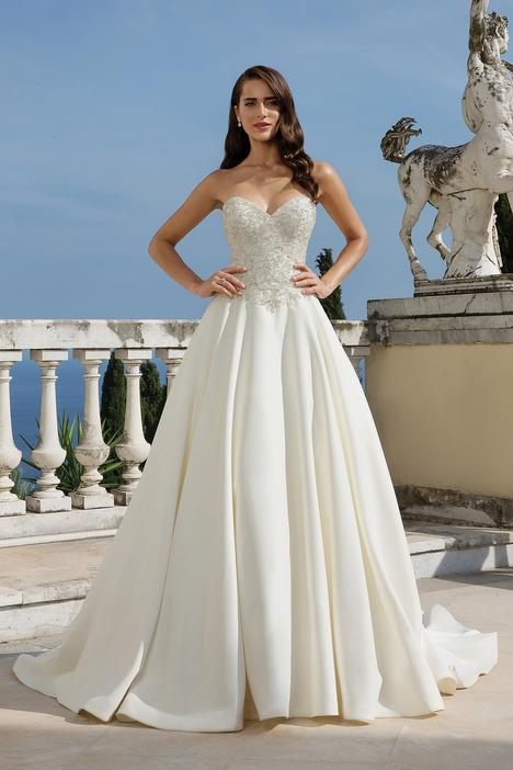 gown from the 2019 Justin Alexander collection, as seen on Bride.Canada