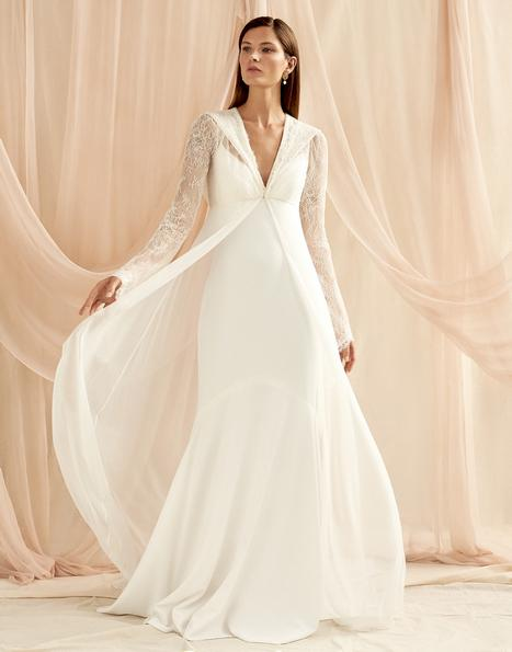 Marion gown from the 2020 Savannah Miller Bridal collection, as seen on Bride.Canada