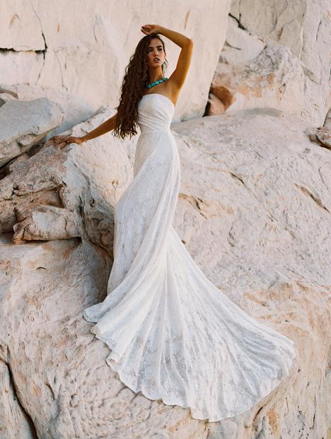 Mia gown from the 2020 Wilderly Bride collection, as seen on Bride.Canada