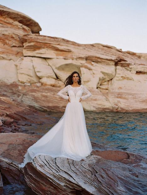 Cora gown from the 2020 Wilderly Bride collection, as seen on Bride.Canada