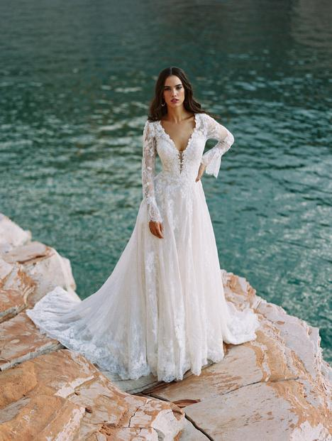 Gwenyth gown from the 2020 Wilderly Bride collection, as seen on Bride.Canada