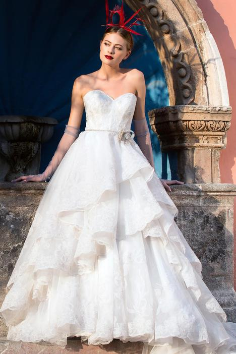 Alejandra gown from the 2018 Watters Brides collection, as seen on Bride.Canada