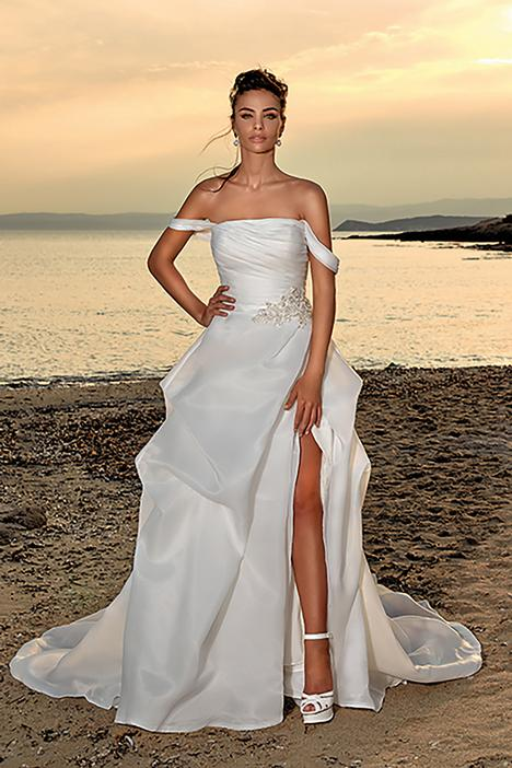Irina gown from the 2020 Eddy K Dreams collection, as seen on Bride.Canada