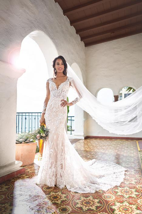 gown from the 2019 Jasmine Couture collection, as seen on Bride.Canada