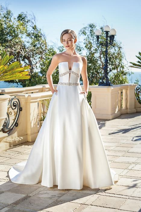 gown from the 2020 Jasmine Couture collection, as seen on Bride.Canada