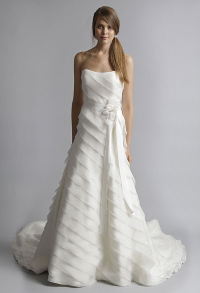 Bette gown from the 2013 Alyne collection, as seen on Bride.Canada