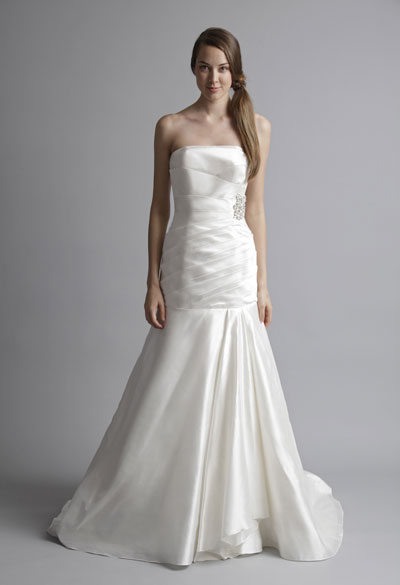 Loretta gown from the 2013 Alyne collection, as seen on Bride.Canada