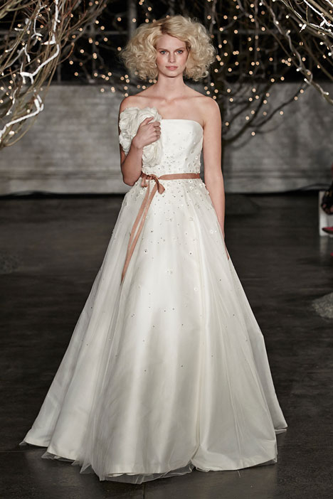 Minnie gown from the 2014 Jenny Packham collection, as seen on Bride.Canada