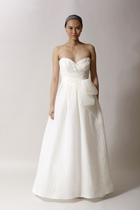 Arizona gown from the 2014 Alyne collection, as seen on Bride.Canada