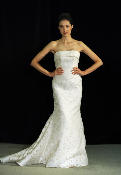 Bacchanale gown from the 2014 Anne Barge collection, as seen on Bride.Canada
