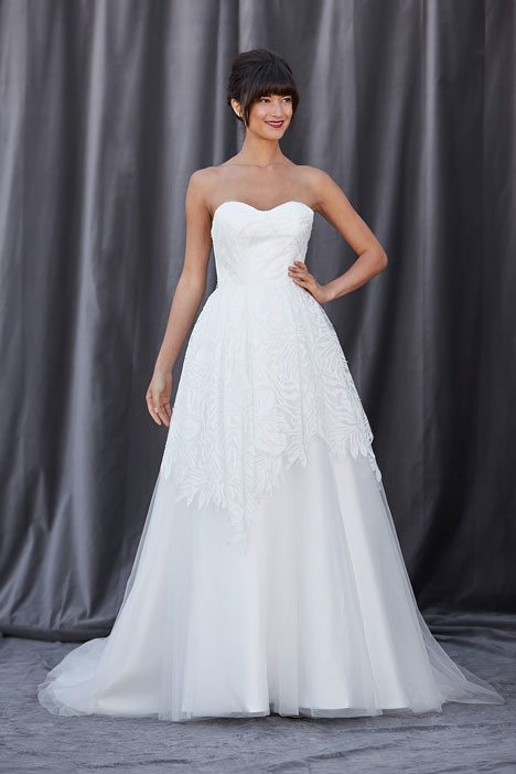 Ferrera gown from the 2014 Lis Simon collection, as seen on Bride.Canada