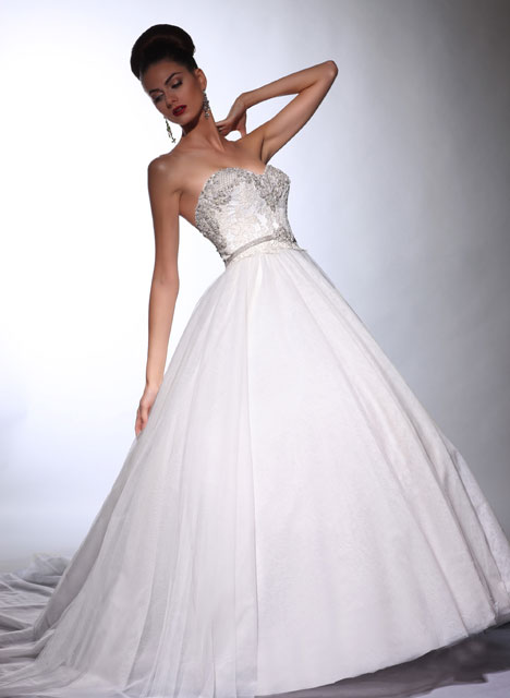 VH148 gown from the 2014 Victor Harper collection, as seen on Bride.Canada