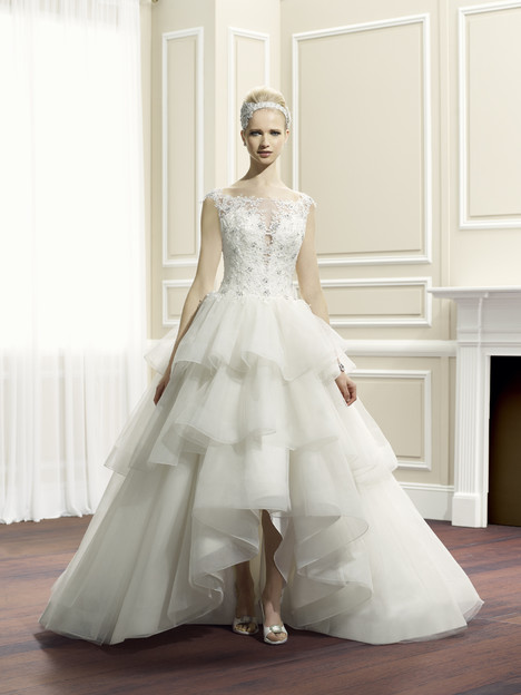 H1260 gown from the 2014 Moonlight : Couture collection, as seen on Bride.Canada