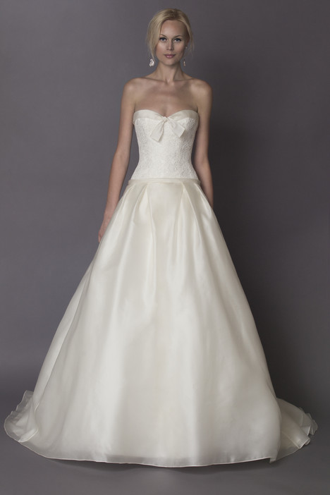 Chantal gown from the 2015 Alyne collection, as seen on Bride.Canada