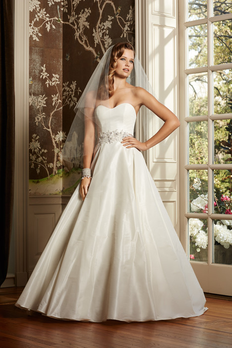 Augusta gown from the 2014 Wtoo Brides collection, as seen on Bride.Canada