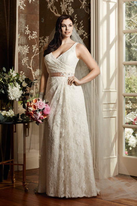 Eloise gown from the 2014 Wtoo Curve collection, as seen on Bride.Canada