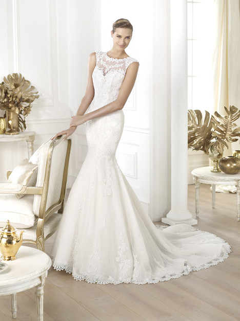 Landel gown from the 2014 Pronovias collection, as seen on Bride.Canada
