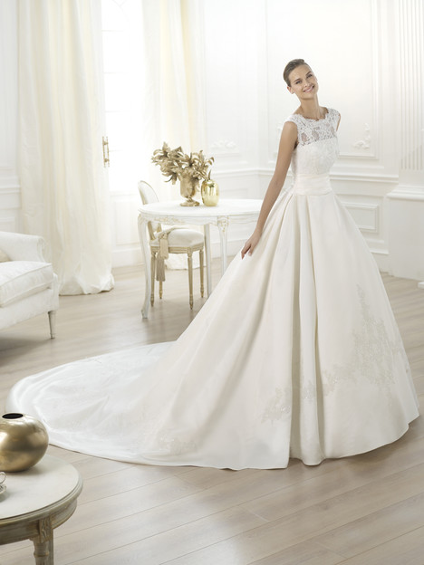 Laudin gown from the 2014 Pronovias collection, as seen on Bride.Canada
