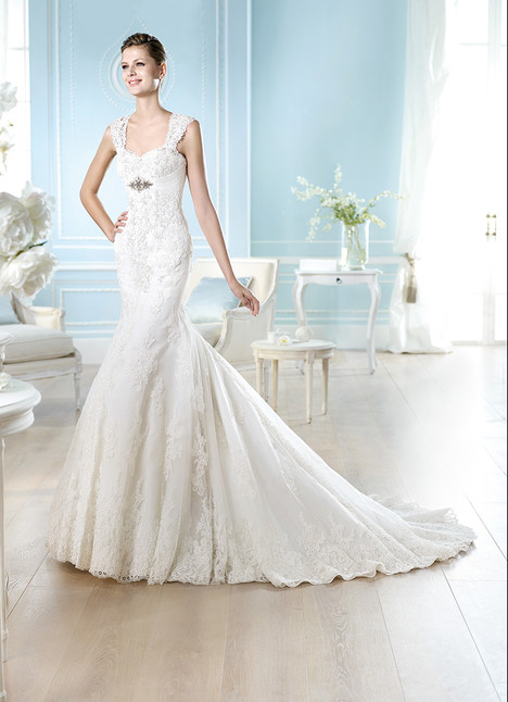 Hafford gown from the 2014 St. Patrick collection, as seen on Bride.Canada