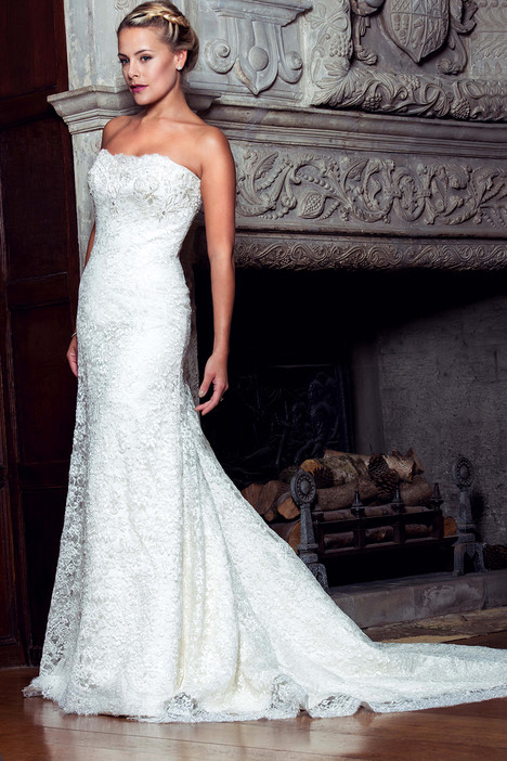 Jodi gown from the 2014 Augusta Jones collection, as seen on Bride.Canada
