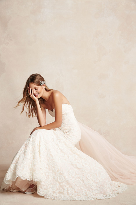 1522 gown from the 2015 Monique Lhuillier: Bliss collection, as seen on Bride.Canada