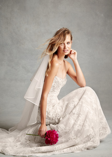 1504 gown from the 2015 Monique Lhuillier: Bliss collection, as seen on Bride.Canada