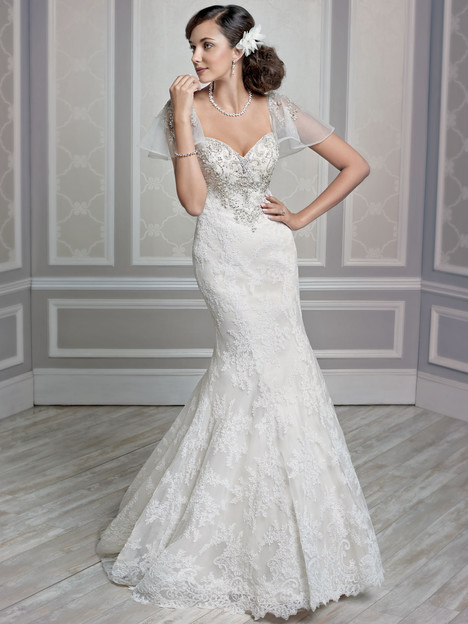 1596 gown from the 2015 Kenneth Winston collection, as seen on Bride.Canada