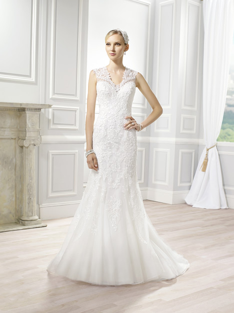 H1271 gown from the 2015 Moonlight : Couture collection, as seen on Bride.Canada